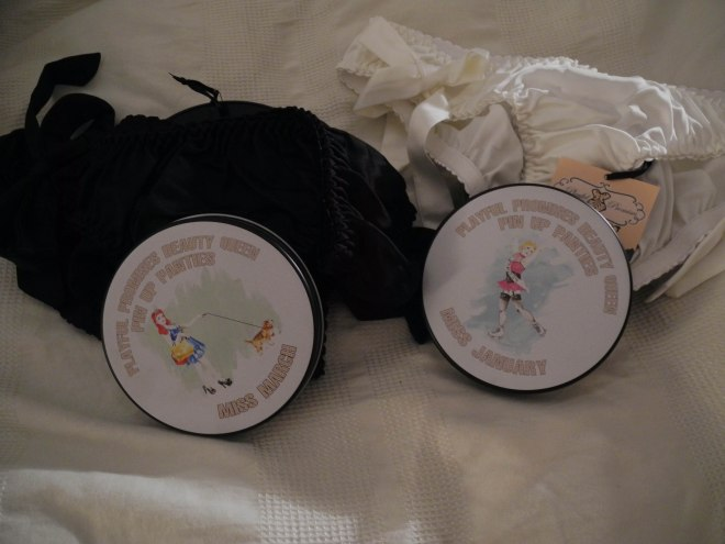 Pin-up panties in tins. So cool! I loved the bows.